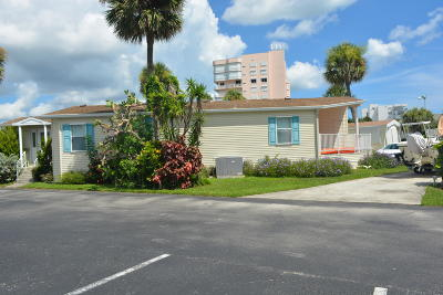 Hutchinson Island FL Single Family Home For Sale: $185,000