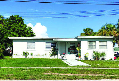 Jensen Beach Multi Family Home For Sale: 2455 NE Dixie Highway