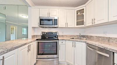 Greenacres Condo For Sale: 340 Pine Ridge Circle #D2