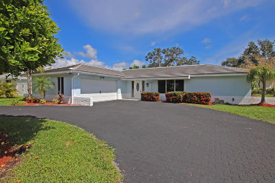 Tequesta Single Family Home For Sale: 278 Country Club Drive