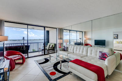 West Palm Beach Condo For Sale: 5200 Flagler Drive #903