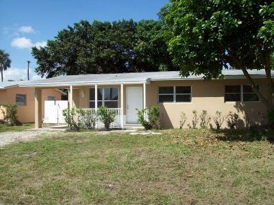 West Palm Beach Single Family Home For Sale: 5627 Sarazen Drive