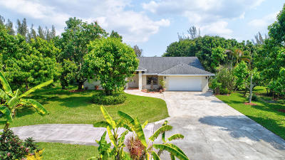 West Palm Beach Single Family Home For Sale: 384 Westwood Circle #W