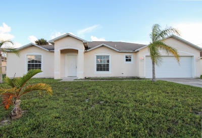 Port Saint Lucie Single Family Home For Sale: 878 SW Squirrel Avenue