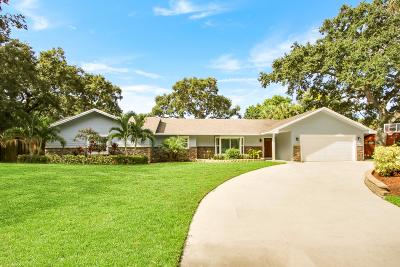 Palm Beach Gardens Single Family Home Contingent: 11131 Oakway Circle