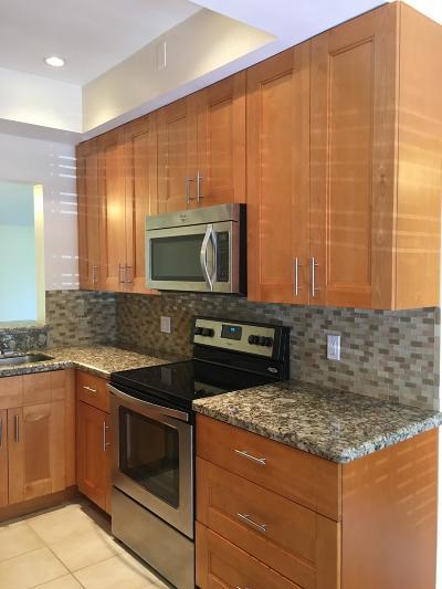 Delray Beach Condo For Sale: 5087 Oak Hill Lane #326