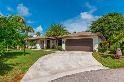 Hobe Sound Single Family Home For Sale: 10860 SE Stern Lane