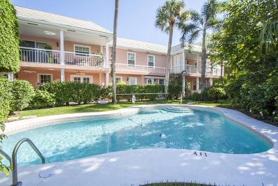 Palm Beach Condo Contingent: 142 Peruvian Avenue #1040