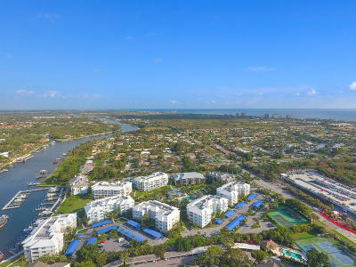 Juno Beach Condo For Sale: 324 Bay Colony Drive #324