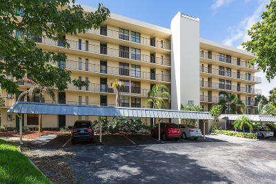 Boca Raton Condo For Sale: 22 Royal Palm Way #2010