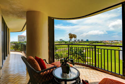 West Palm Beach Condo For Sale: 2427 Presidential Way #703