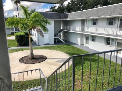 Palm Beach Gardens Condo For Sale: 10193 Military Trail #208-S