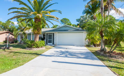 Port Saint Lucie Single Family Home For Sale: 607 NW Grenada Street