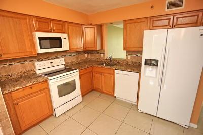 Deerfield Beach Condo For Sale: 4570 NW 18th Avenue #506