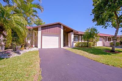 Delray Beach Single Family Home For Sale: 15872 Laurel Oak Circle