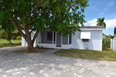 Lake Worth Single Family Home For Sale: 2221 Keast Lane