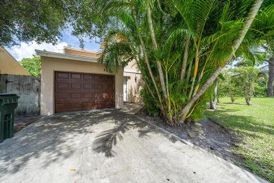 Delray Beach Single Family Home For Sale: 2409 Sundy Avenue