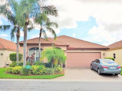 Riviera Beach Single Family Home For Sale: 8037 Via Hacienda