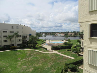 North Palm Beach Condo For Sale: 374 Golfview Road #401