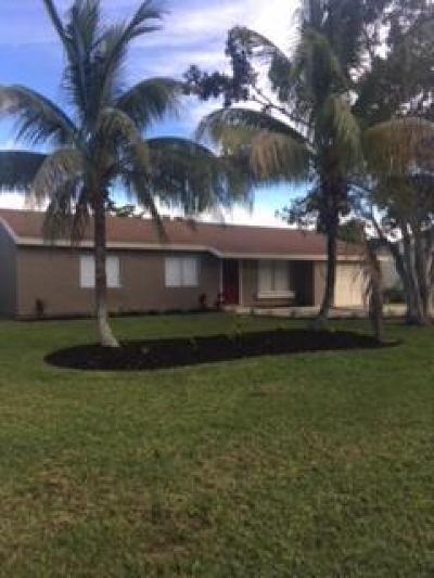Port Saint Lucie Single Family Home For Sale: 2037 SE New York Street
