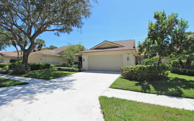 Jupiter Single Family Home For Sale: 138 Harbourside Circle