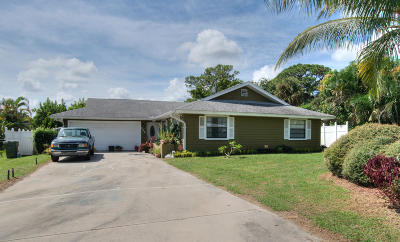 Stuart Single Family Home For Sale: 246 SE Ila Street