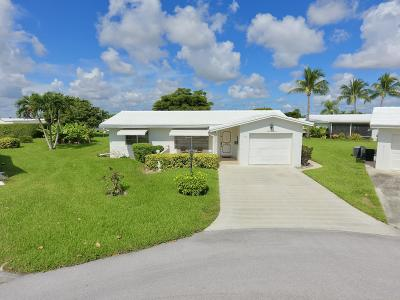 Leisureville Single Family Home For Sale: 507 Canal Way