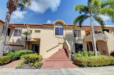 Delray Beach Condo For Sale: 7677 Glendevon Lane #1706