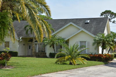 Jupiter Single Family Home For Sale: 6204 Sand Pine Court