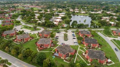 Boca Raton FL Townhouse For Sale: $237,000