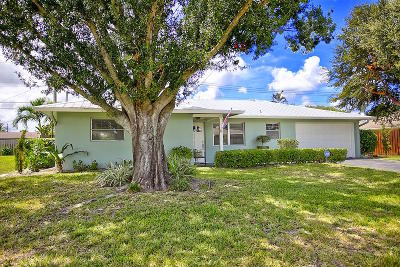 Jupiter Single Family Home For Sale: 1506 Venus Avenue