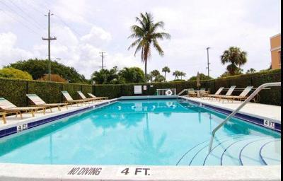 Lake Worth Condo For Sale: 101 S Golfview Road #11