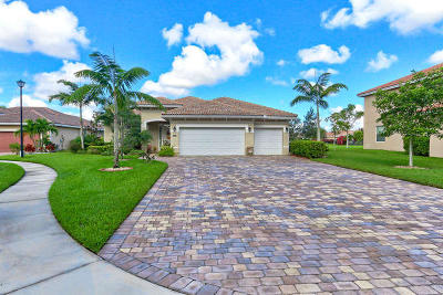 West Palm Beach Single Family Home For Sale: 9064 Winterhaven Circle