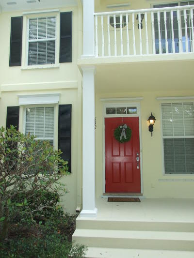 Townhouse For Sale: 158 Ashley Court
