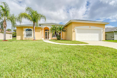 Port Saint Lucie Single Family Home For Sale: 1601 SW Janette Avenue