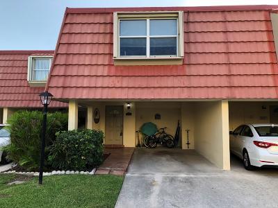 North Palm Beach Condo For Sale: 386 Golfview Road #E