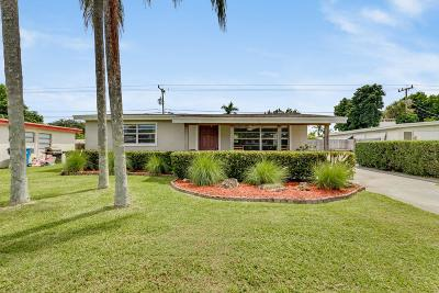 Royal Palm Beach Single Family Home Contingent: 11800 Oleander Drive