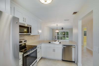 West Palm Beach Single Family Home For Sale: 126 Lake Olive Drive