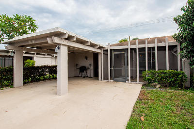 Delray Beach Single Family Home For Sale: 6738 Moonlit Drive