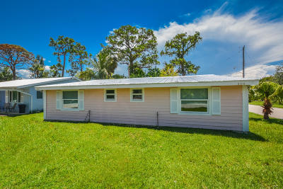Palm City Single Family Home For Sale: 484 SW 11th Court
