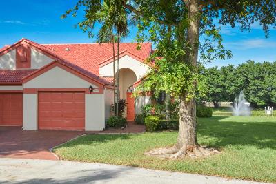Delray Beach Single Family Home For Sale: 7549 Lexington Club Boulevard #B