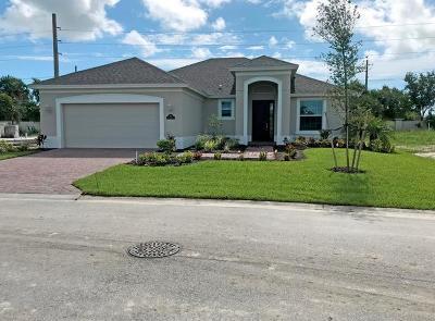 Vero Beach Single Family Home For Sale: 1521 Segovia Lakes Circle