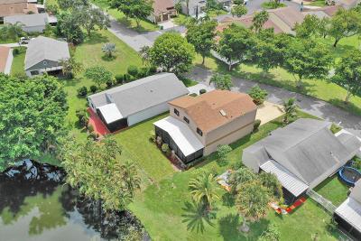 Boynton Beach Single Family Home For Sale: 11 E Chesterfield Drive