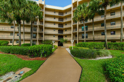 Lake Worth Condo For Sale: 4640 Lucerne Lakes Boulevard #508