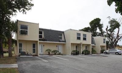 Boynton Beach Condo For Sale: 617 SW 1st Court