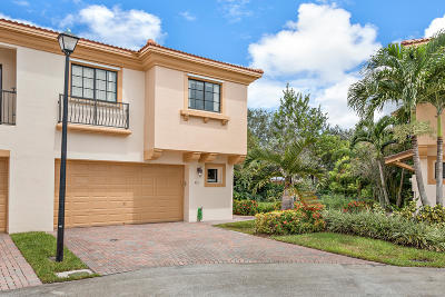 Coconut Creek Townhouse For Sale: 4711 Grand Cypress Circle