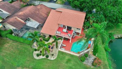 Deerfield Beach Single Family Home For Sale: 667 Hollows Circle