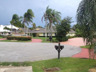 Stuart Single Family Home For Sale: 3711 SE Clubhouse Place
