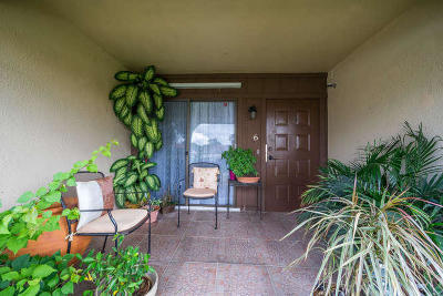 West Palm Beach Single Family Home For Sale: 5957 Forest Hill Boulevard #6