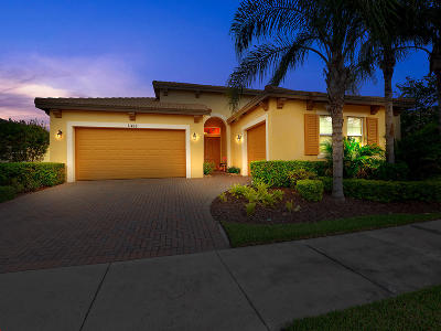 Port Saint Lucie Single Family Home For Sale: 11418 SW Hillcrest Circle